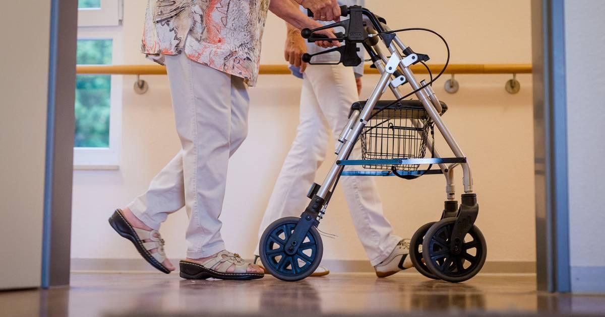 Zwei Drittel der Altenpflegehelfer liegen unter Niedriglohnschwelle