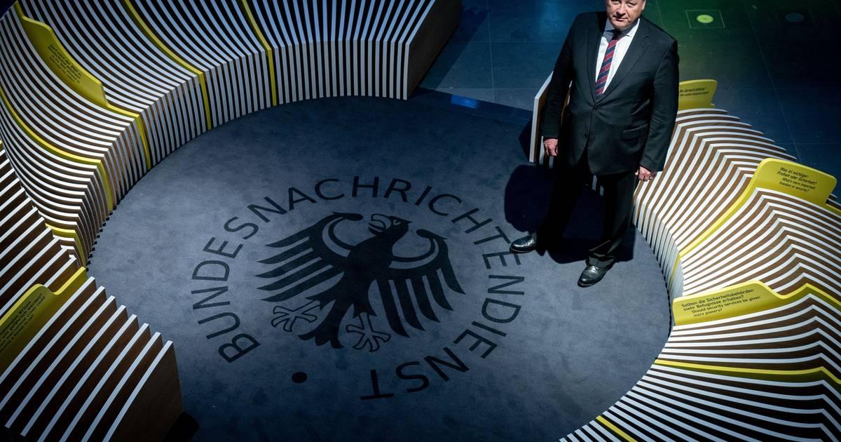 """BND, Verfassungsschutz und die """"Schüttel-Technik"""" neuer Agenten"""