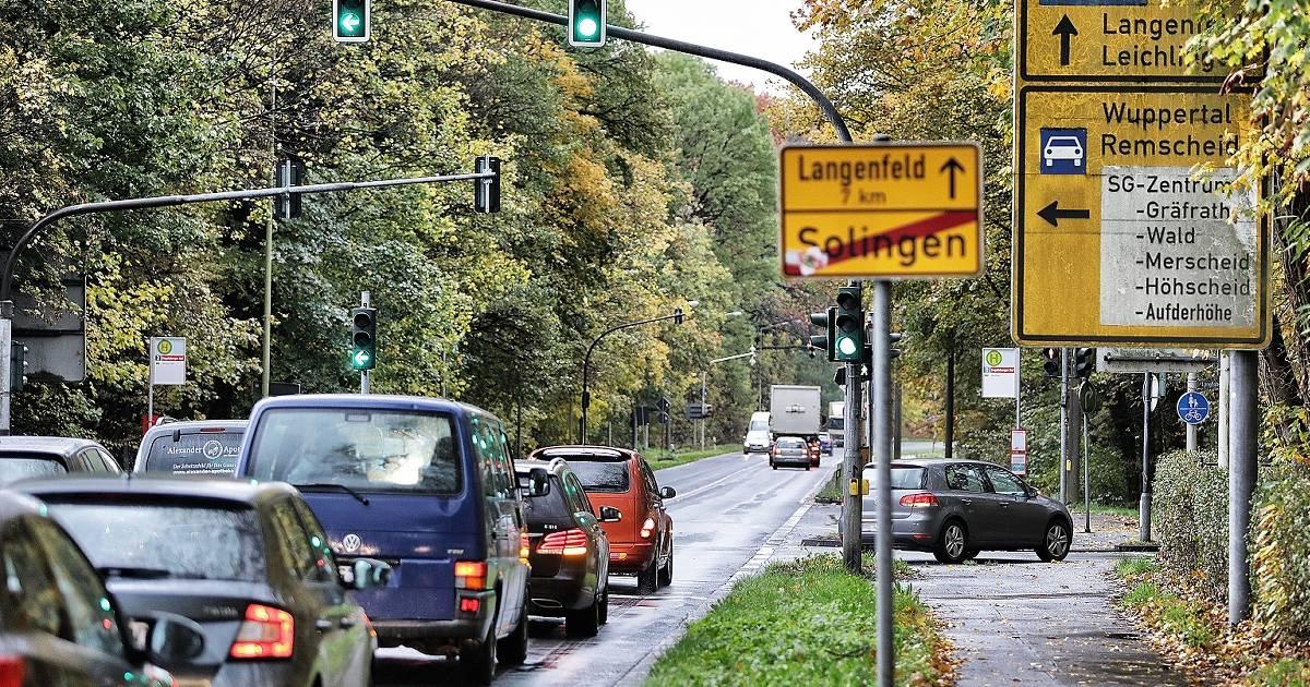 Langenfeld: B229 fast fertig. Neue Pläne für Kreisel Bonner Straße in Solingen. Vollsperrung Autobahnkreuz Hilden