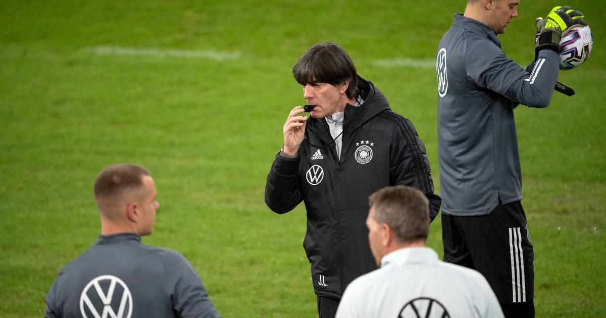 Borussia Mönchengladbach: Gladbach-Fans sind sauer auf DFB und Joachim Löw