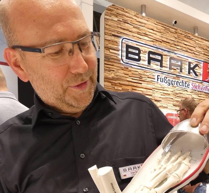 Sicherheitsschuhhersteller Baak aus Straelen hat Innovationspreis Ergonomie erhalten