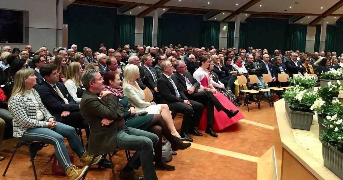 Das gemütliche Miteinander im Forum Straelen nach der Preisverleihung.