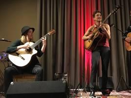 Gitarrenvirtuosinnen in Grevenbroich: Weltklasse-Musikerinnen im Museum