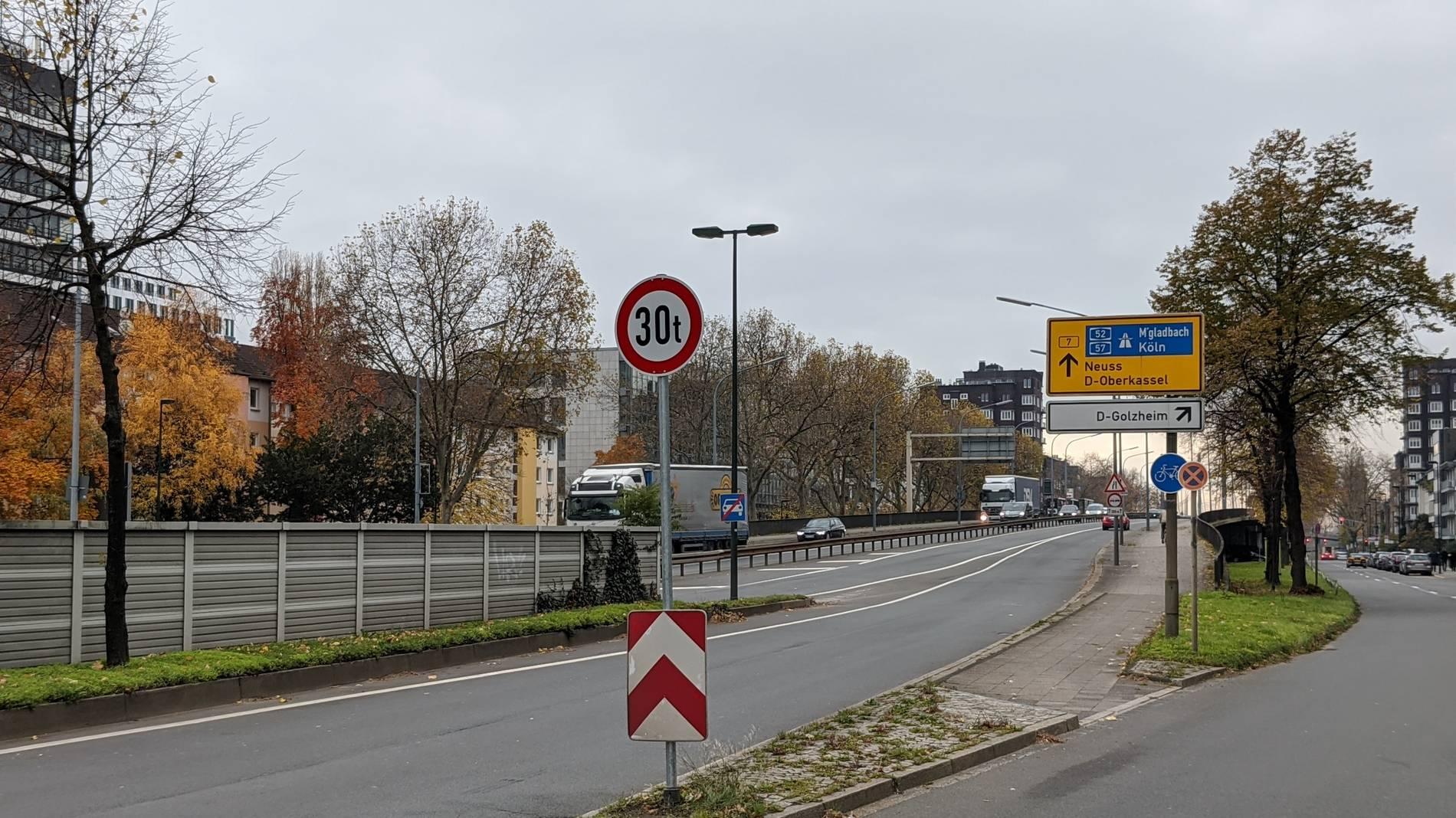 Theodor Heuss Brücke Düsseldorf Gesperrt
