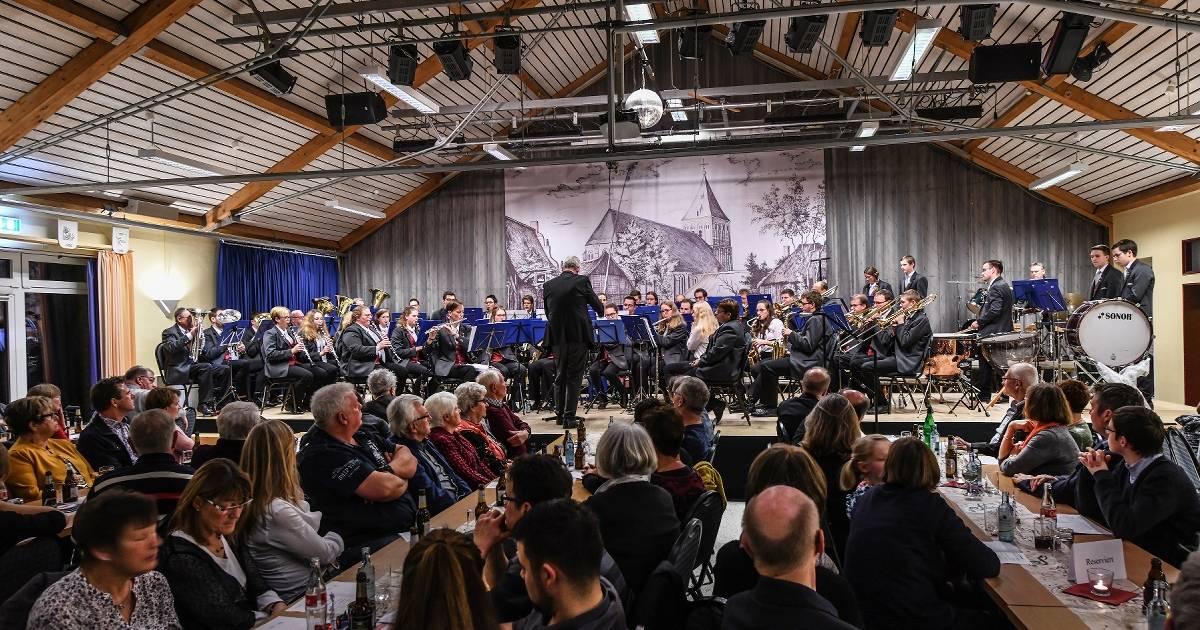 Konzert des Musikvereins Winnekendonk in der Begegnungsstätte.