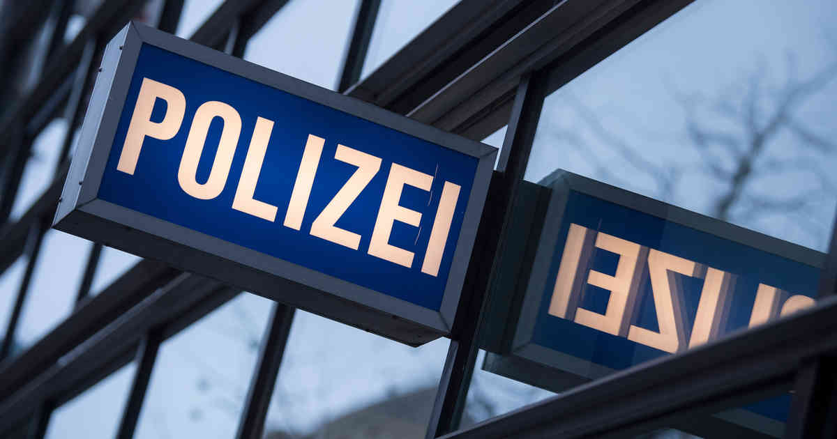 Düsseldorf-Unterrath: 85-Jährige in ihrer Wohnung beraubt - Polizei sucht Zeugen
