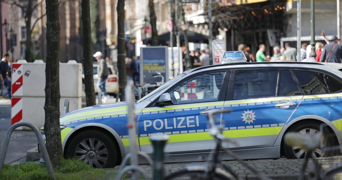 Düsseldorf: Neusser mit Messer verletzt nach Streit