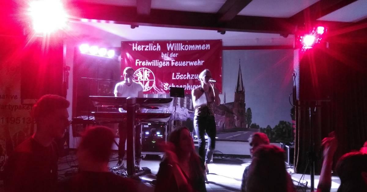 "Party der Freiwilligen Feuerwehr:Schaephuysen feiert bei ""Fire for You"""