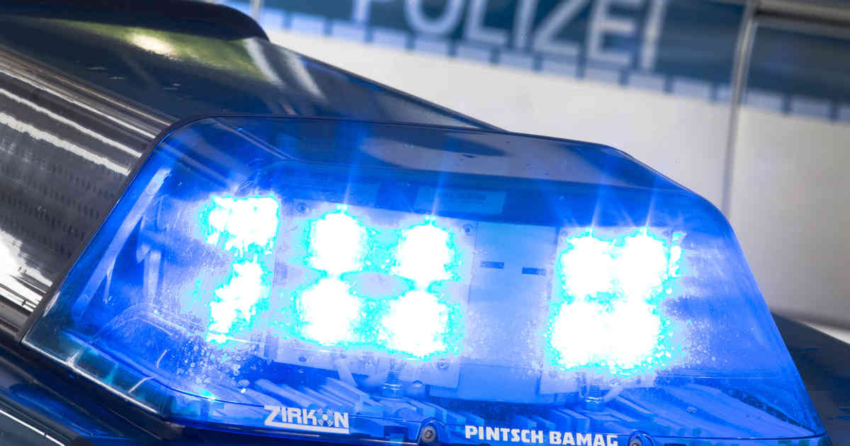 Krefeld: Zwei Männer überfallen Frau an der Gladbacher Straße