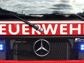 Einsatz im Industriegebiet in Grevenbroich : Fauliger Gestank gibt Feuerwehr noch Rätsel auf