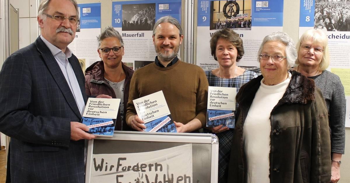 """Radevormwald: Ausstellung """"30 Jahre Mauerfall"""" im Bürgerhaus eröffnet"""