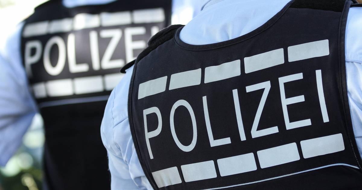 Krefeld: Drogen weggeworfen und geflüchtet - Polizei nimmt zwei Drogendealer fest
