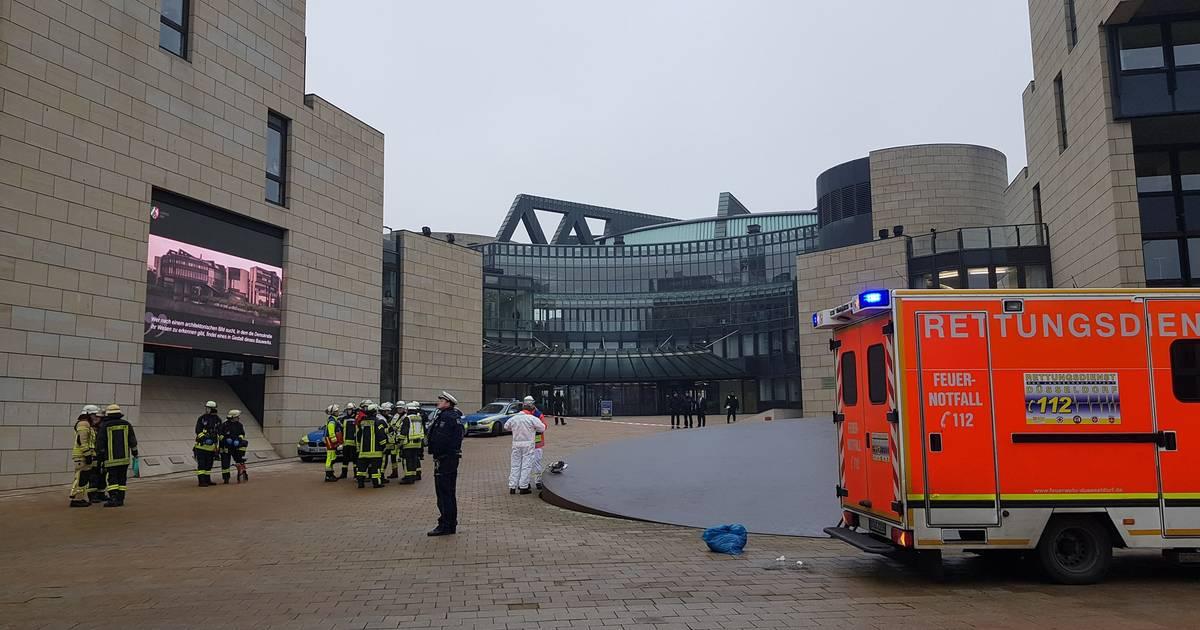 Düsseldorf: Frau mit Flüssigkeit bespritzt - offenbar drei weitere Taten