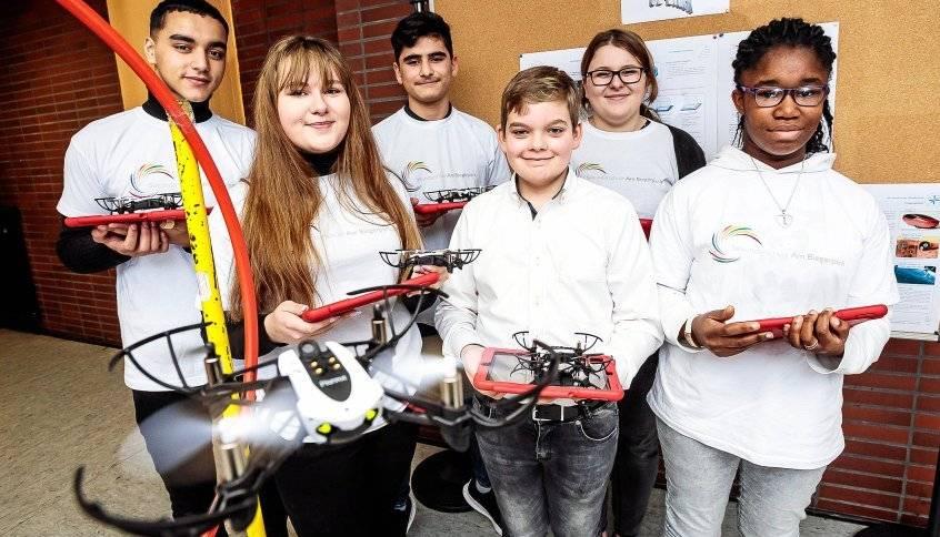 Huckingen: Schüler programmieren Drohnen an der Sekundarschule am Biegerpark