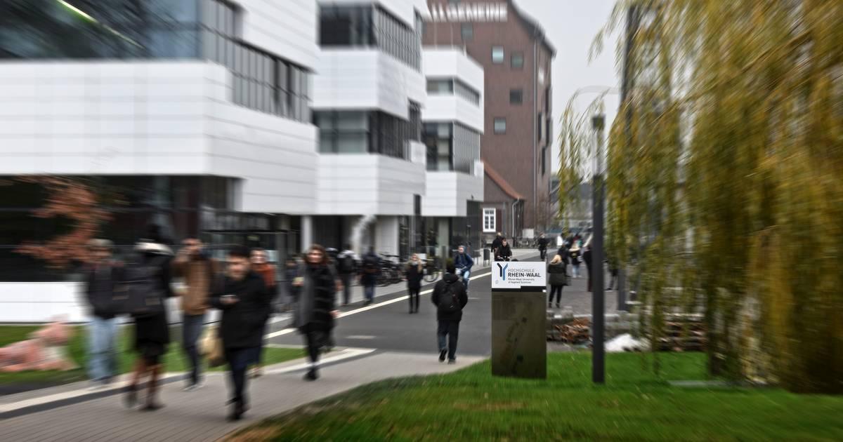 Kleve: Schüler diskutieren im Rathaus über die Stadt der Zukunft