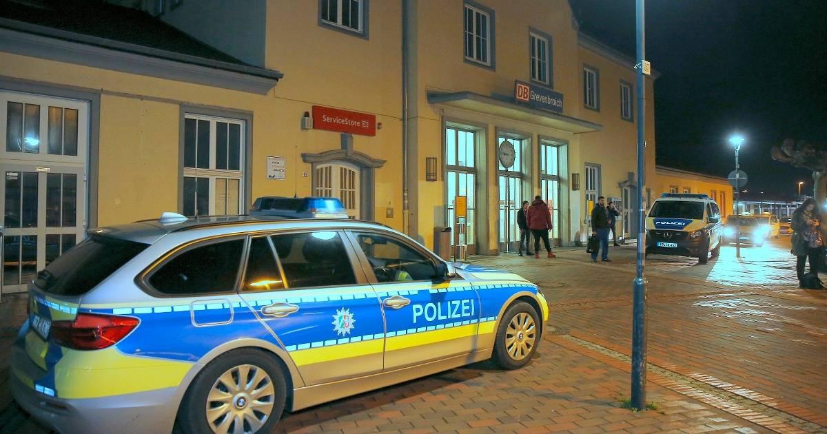Zwischenfall in der Regionalbahn 39: Polizei stoppt Zugverkehr im Bahnhof