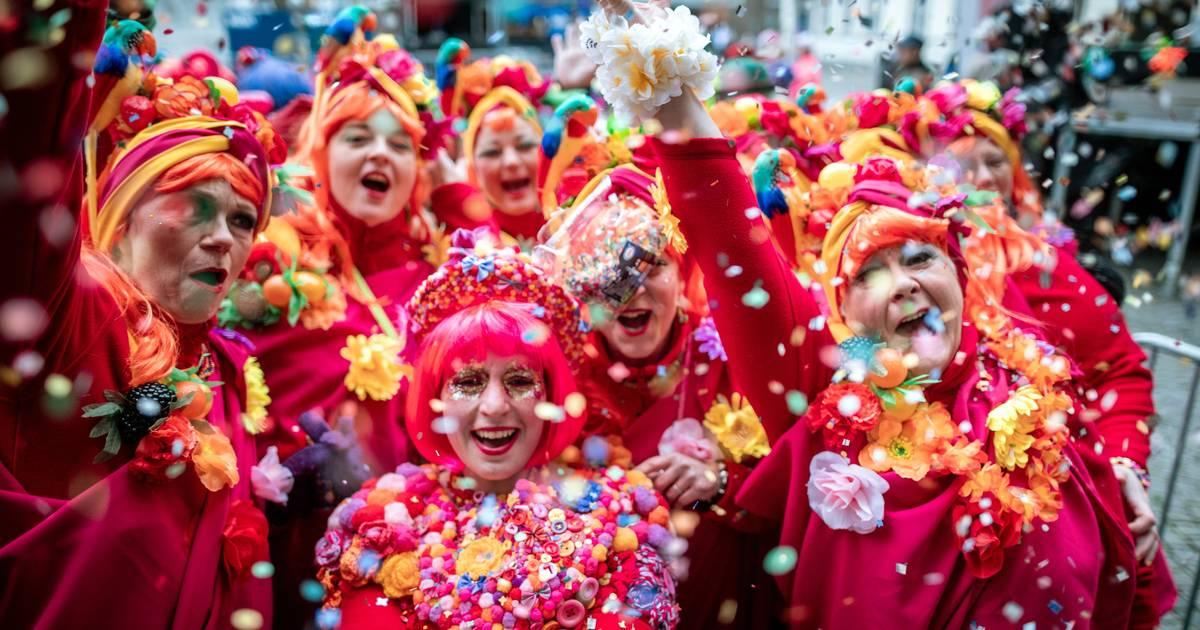 Karnevals-Reportage: So war Altweiber in Düsseldorf