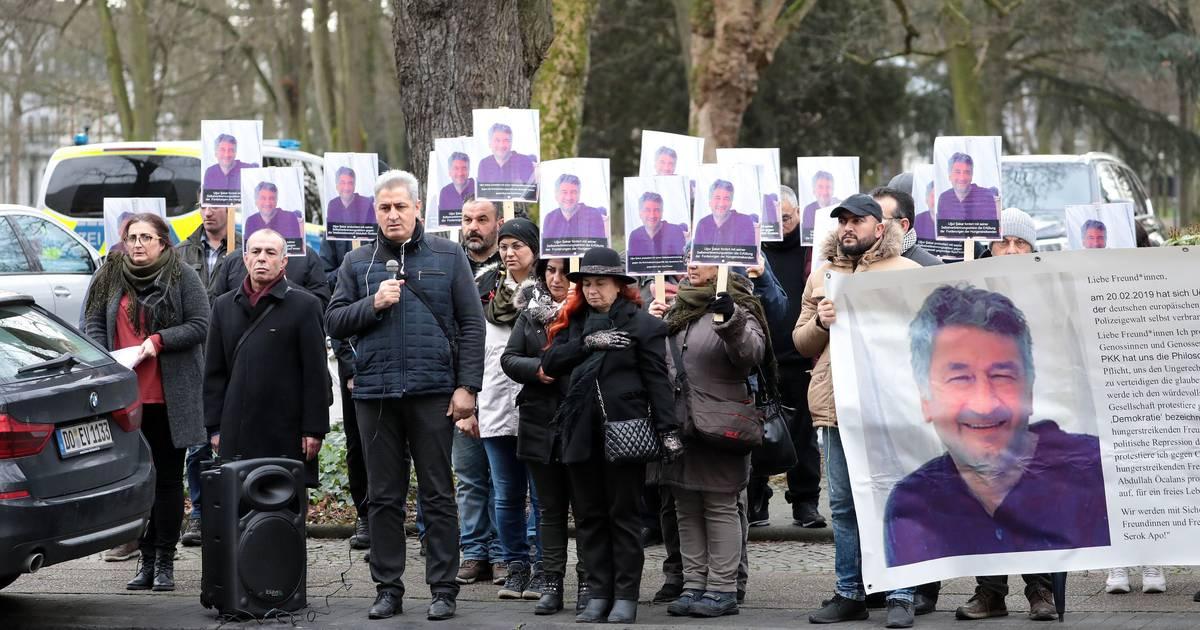 Demo am Gericht in Krefeld: Sympathie für Kurden-Protest