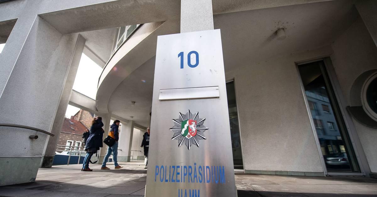 Nach Razzia gegen Terrorzelle: Polizeimitarbeiter hatte Reichskriegsflaggen auf dem Balkon