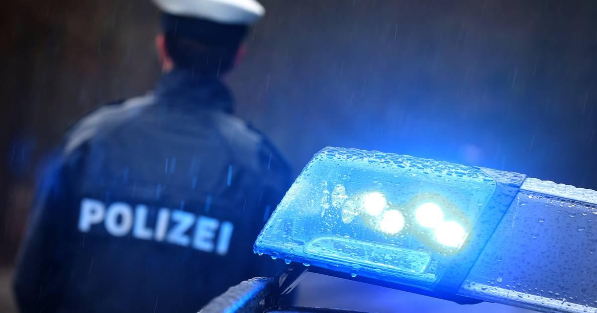 Schwerer Unfall in Sankt Augustin: Betrunkener 16-Jähriger gibt sich als Polizist aus und stiehlt Auto