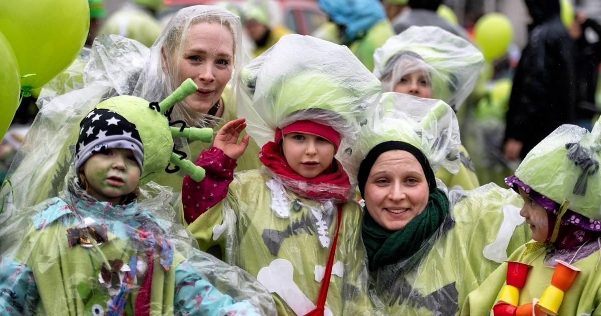 Monheimer Altstadt: Alle sind ganz jeck auf den Kinderkarnevalszug