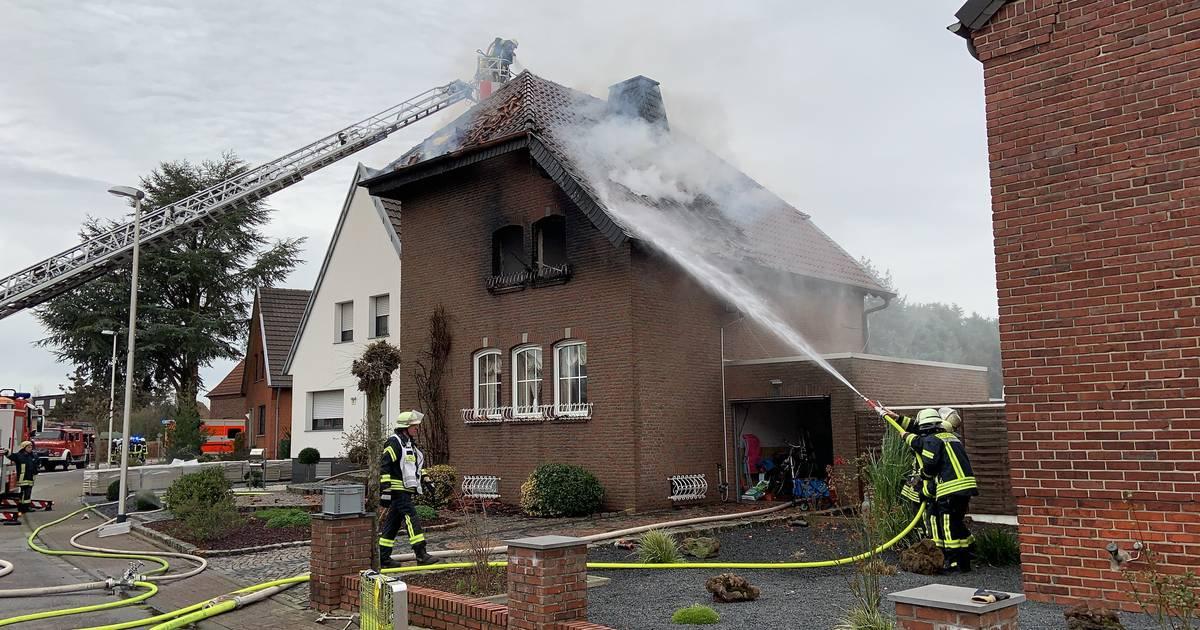 Wohnhaus in Wassenberg-Effeld: Drei Kinder durch Dachgeschossbrand verletzt