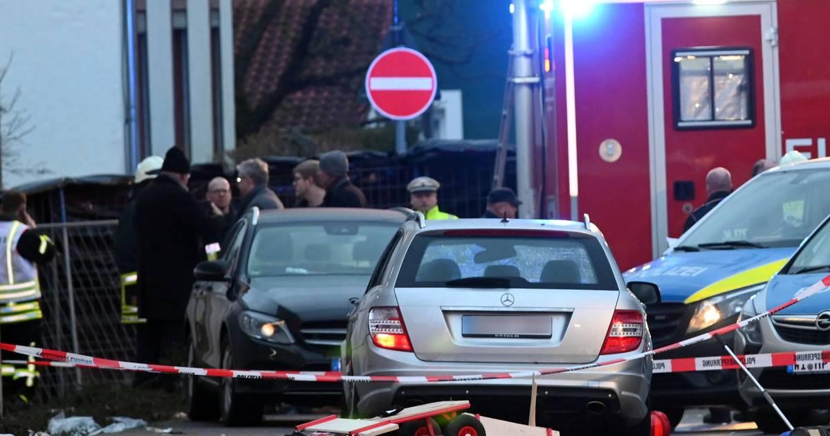 30 Verletzte in Nordhessen: Mann fährt in Karnevalszug – Polizei warnt vor Fotos