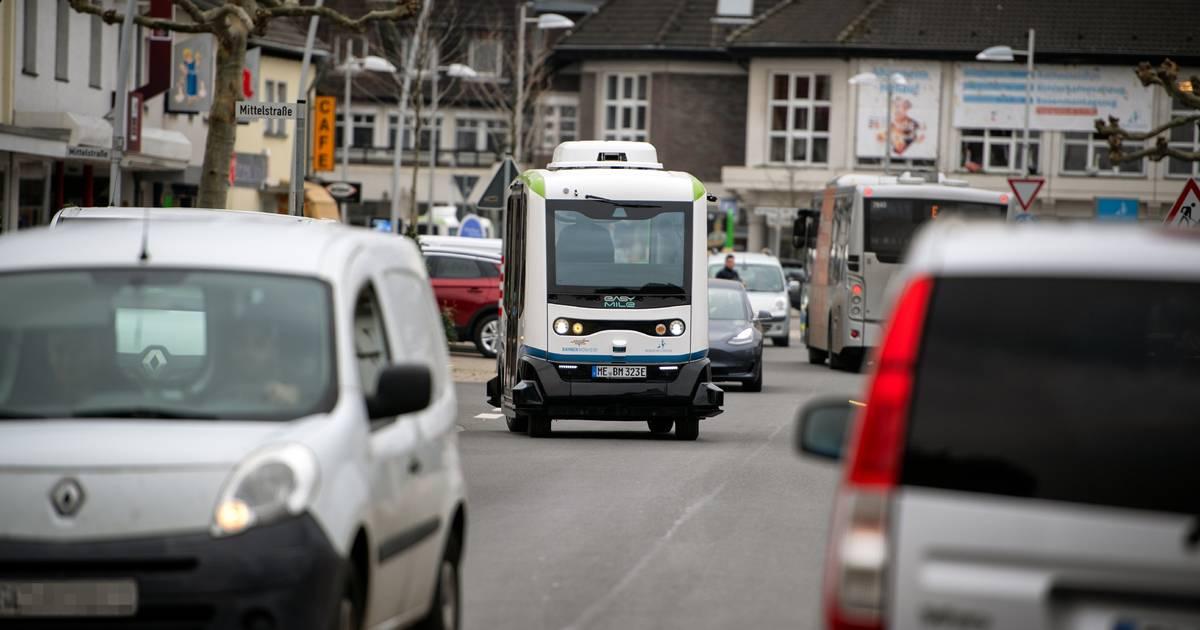 Premiere: Autonome Busse: Linienverkehr in Monheim gestartet