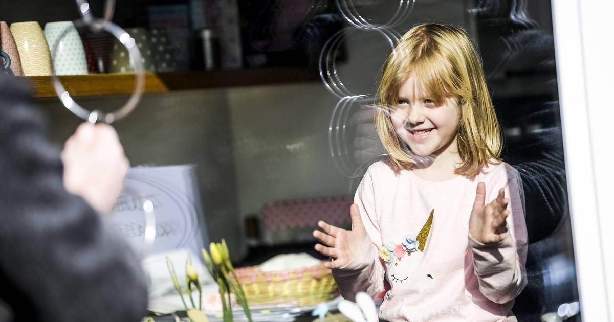 Aktion für Meerbuscher Kinder: Magische Momente vor der Fensterscheibe