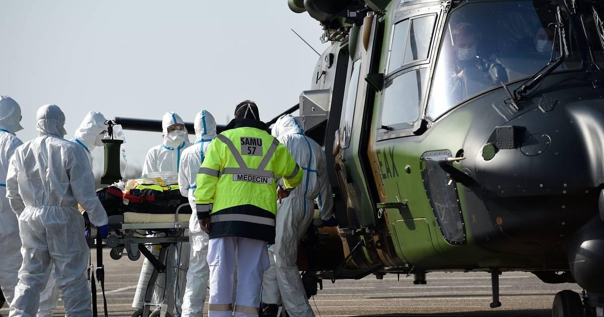 Hilfsaktionen mit Militär-Maschinen: Corona-Patienten aus Frankreich und Italien sind in NRW gelandet