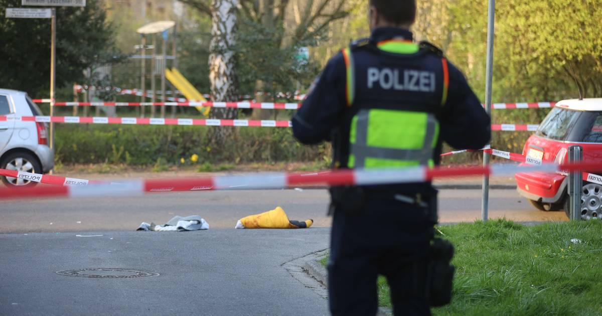 Polizei nimmt 19-Jährigen fest: 22-Jähriger stirbt durch Messerstiche in Leverkusen