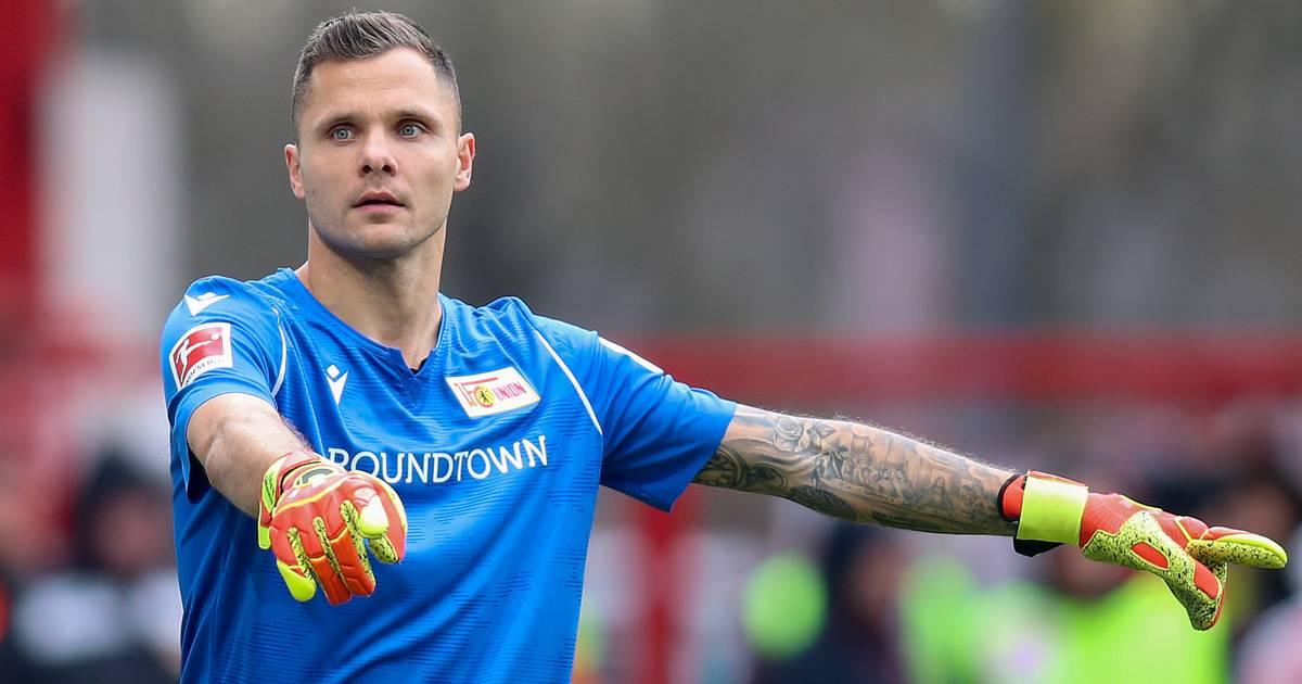 """Union-Torwart hat Spaß im """"Home Office"""": Gikiewicz hält sich mit skurillen Trainingsformen fit"""