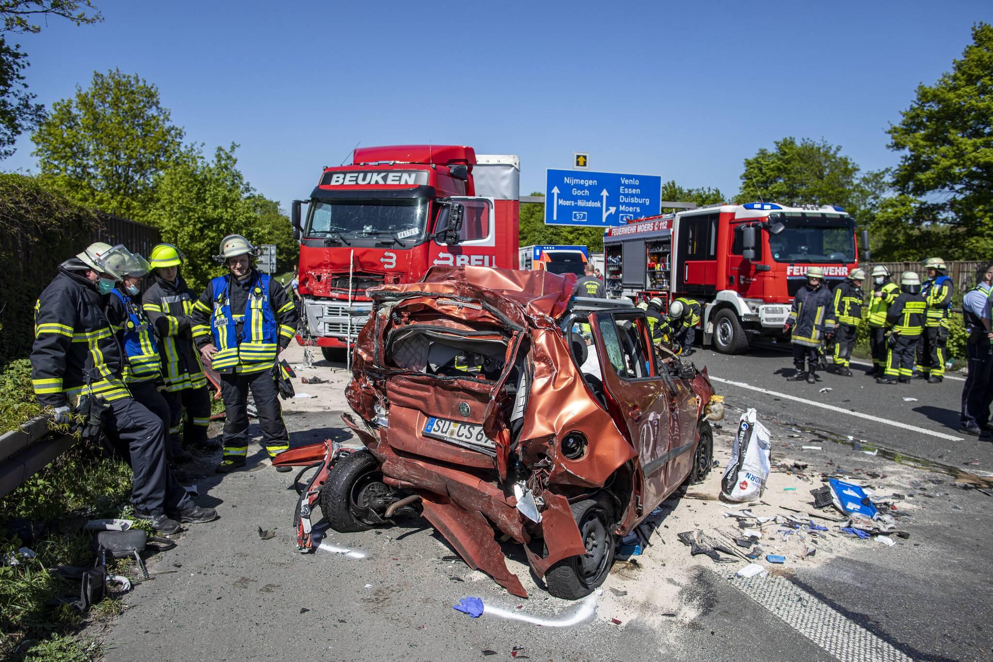Unfall Auf Der A57 Heute