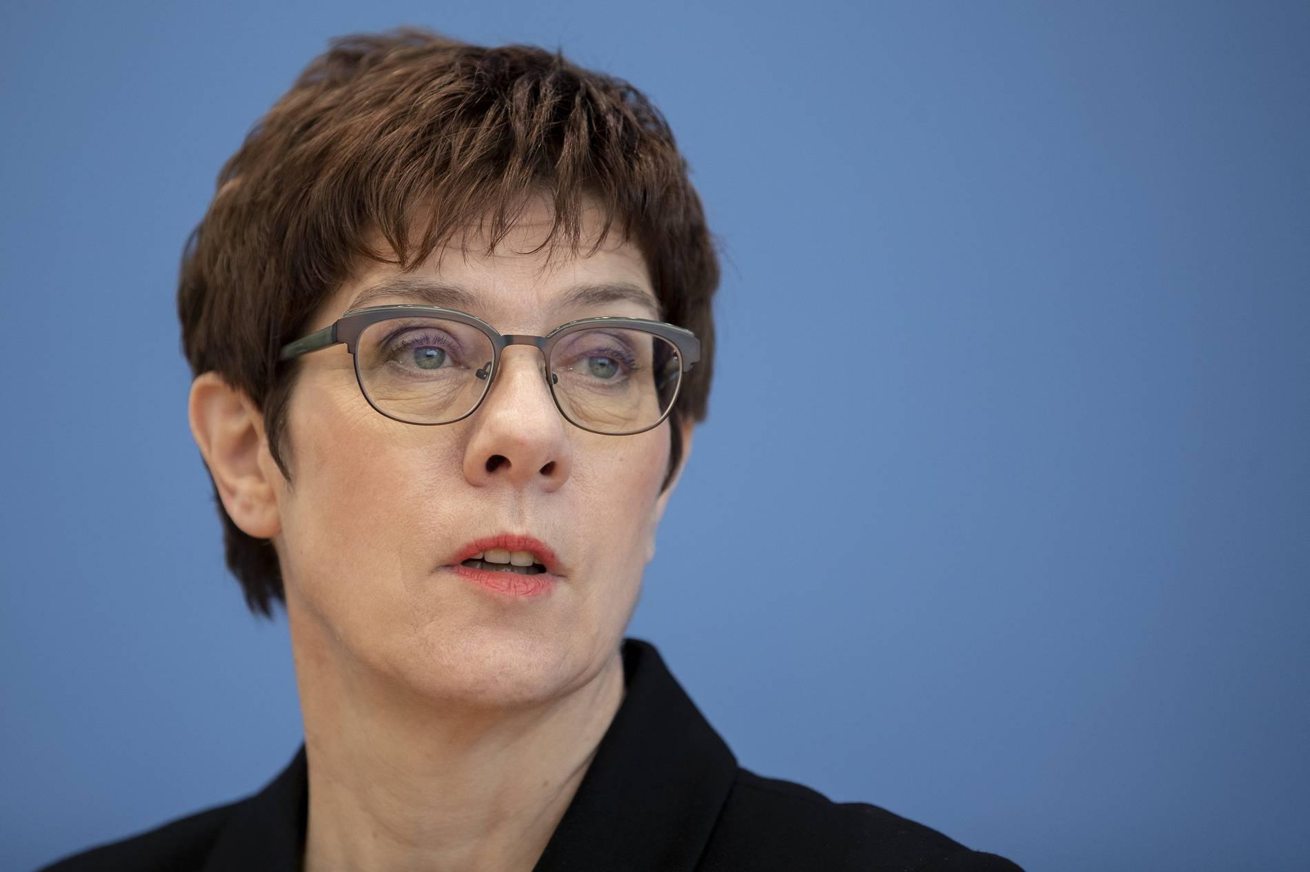 Kramp-Karrenbauer will US-Kampfjets kaufen