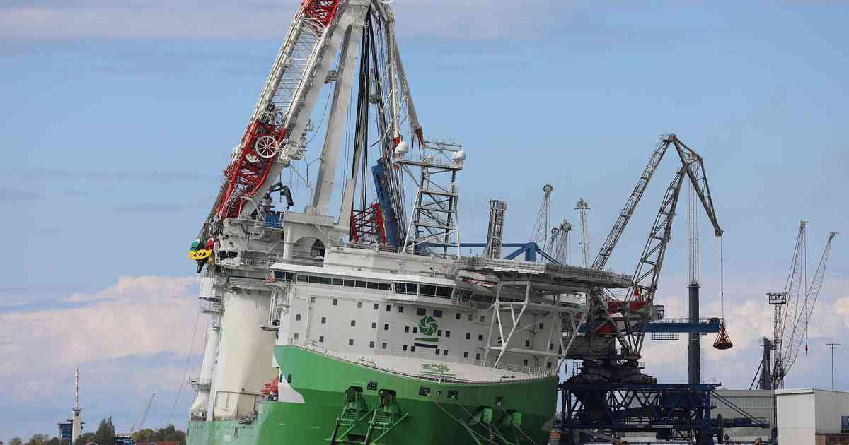 In Überseehafen: Millionenschaden und mehrere Verletzte bei Kranunfall in Rostock