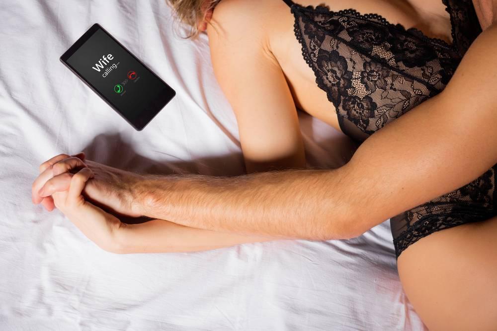 Ehefrau schwanger Betrügende wird ❤️ Ehefrau