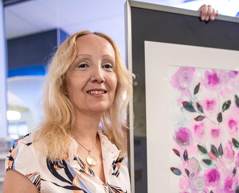 Ausstellung in Kamp-Lintfort: Blütenbilder in der Mediathek