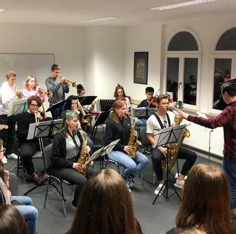 Auf You Toube: Neusser Schul-Big-Band veranstaltet ein Wohnzimmer-Konzert