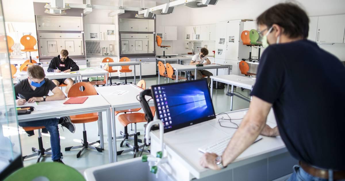"""Duisburger Lehrer berichten: """"Wir wurden über Nacht von der Kreide- in die digitale Zeit verfrachtet"""""""