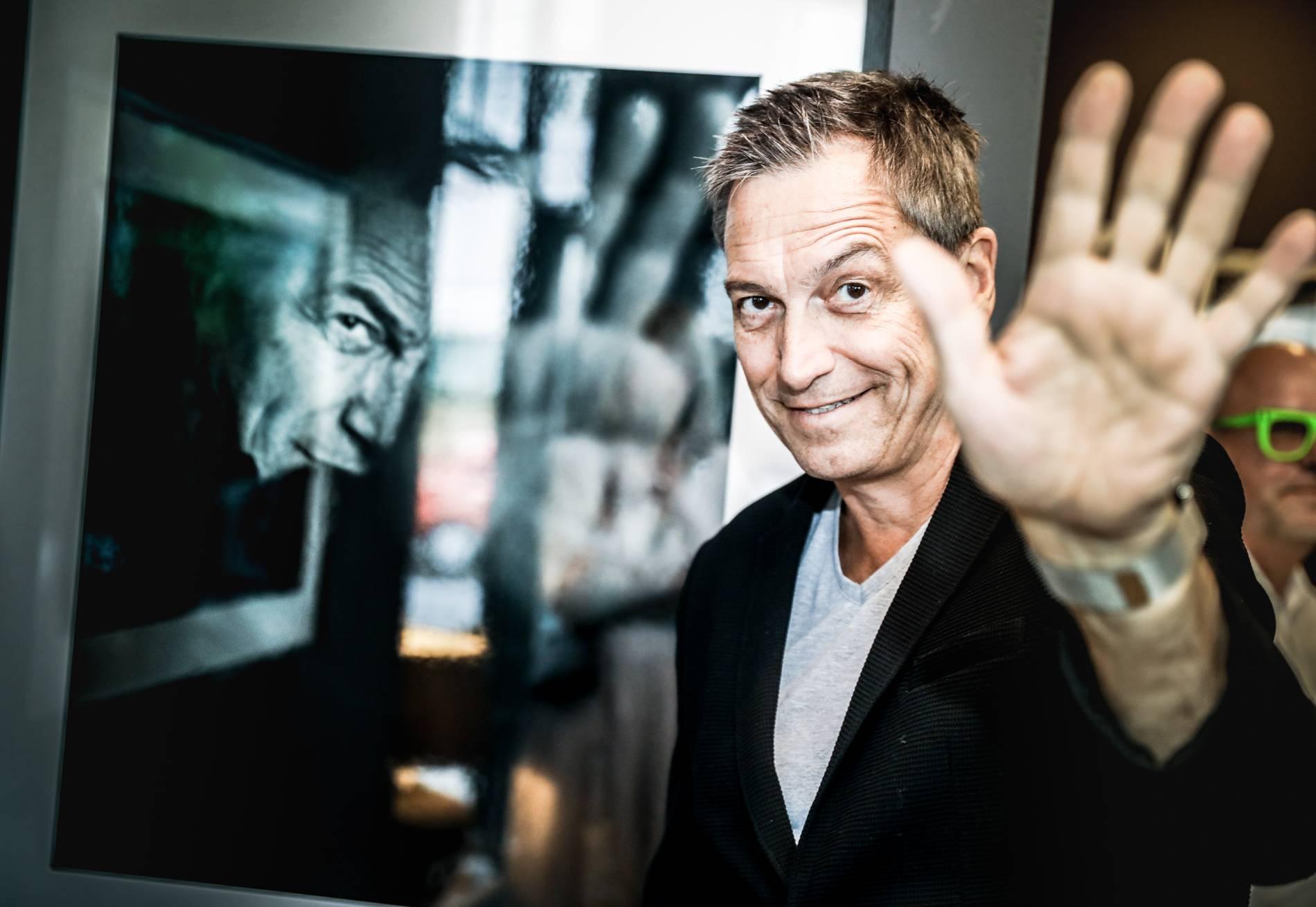 Kabarettist Dieter Nuhr Stellt Fotos In Oberhausen Aus