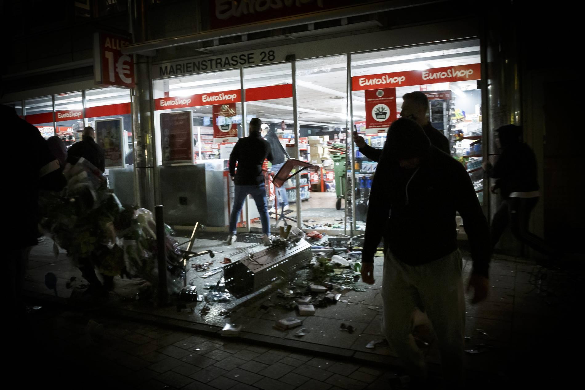 Stuttgarter Krawallnacht: Polizei will Familienhintergrund beleuchten