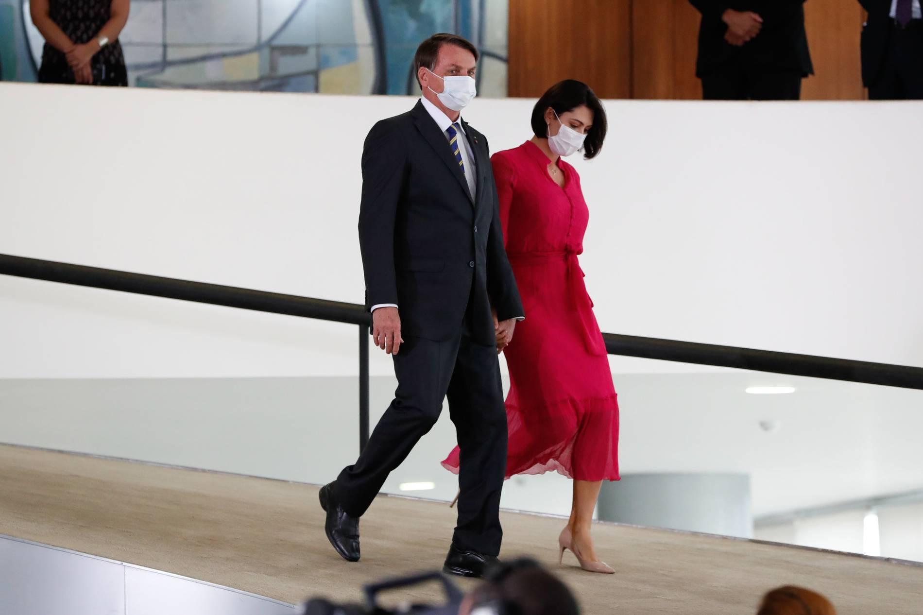Bolsonaros Ehefrau positiv auf Coronavirus getestet