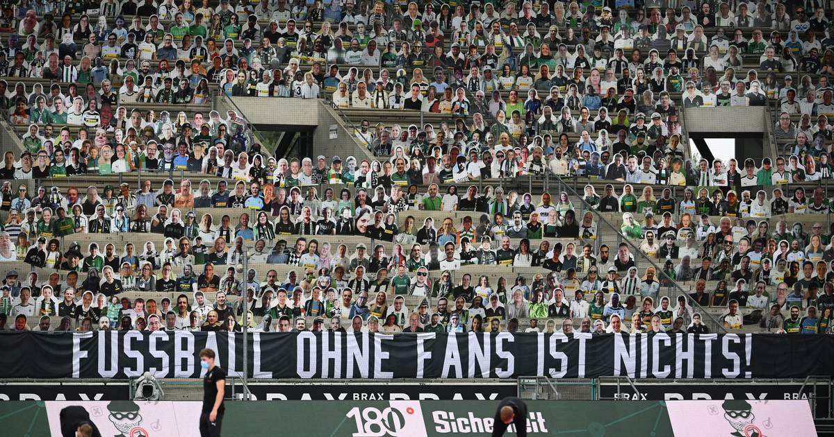 300 Fans kamen: Missverständnis bei der Abholung der Pappkameraden