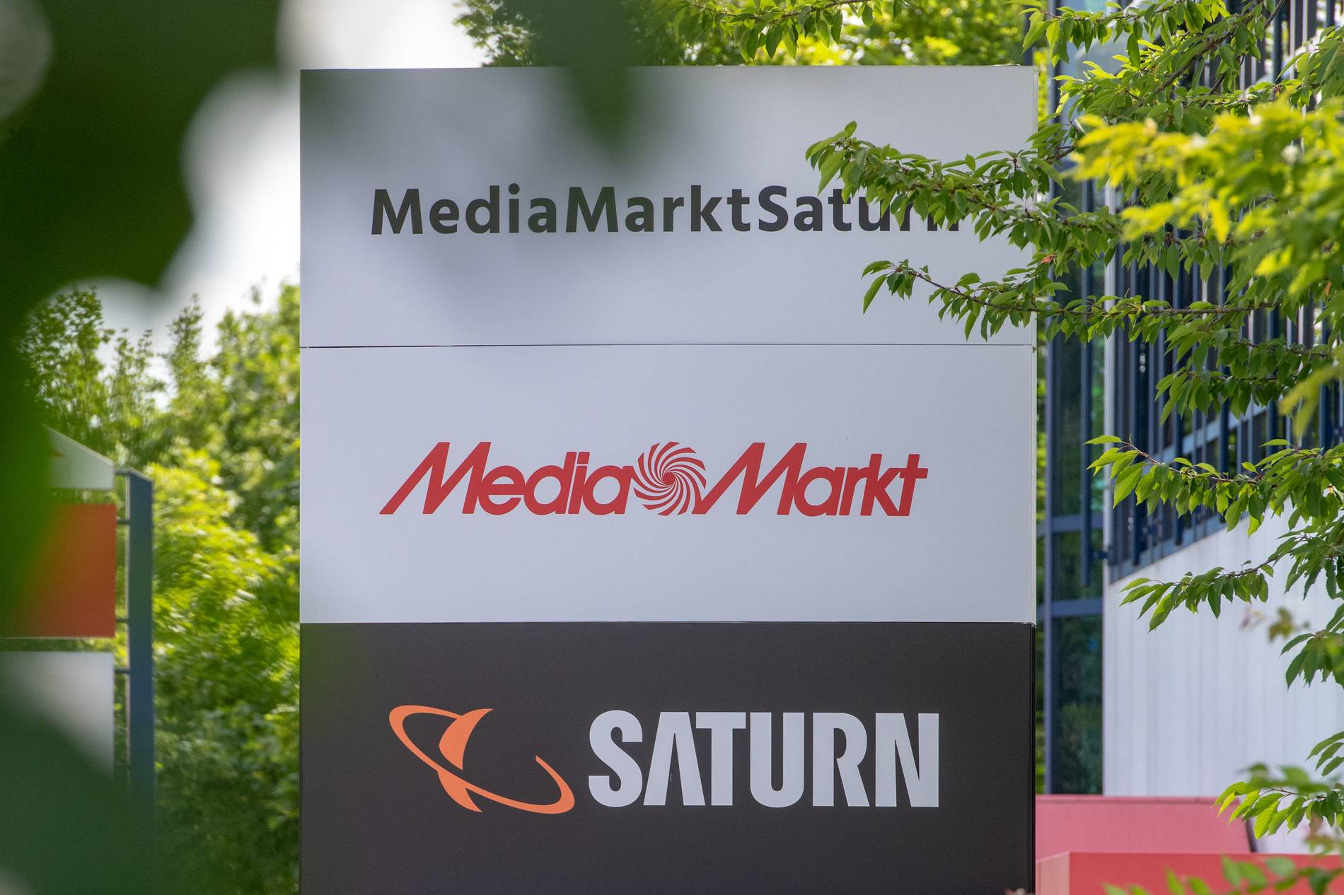 Bei Media Markt und Saturn droht der Abbau Tausender Stellen - mögliche Filialschließungen