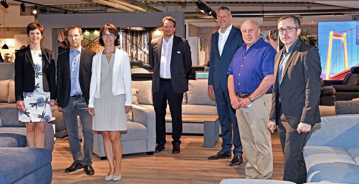 Unternehmen in Grefrath: Möbel Wehnen in Grefrath: Familie investiert in Modernisierung