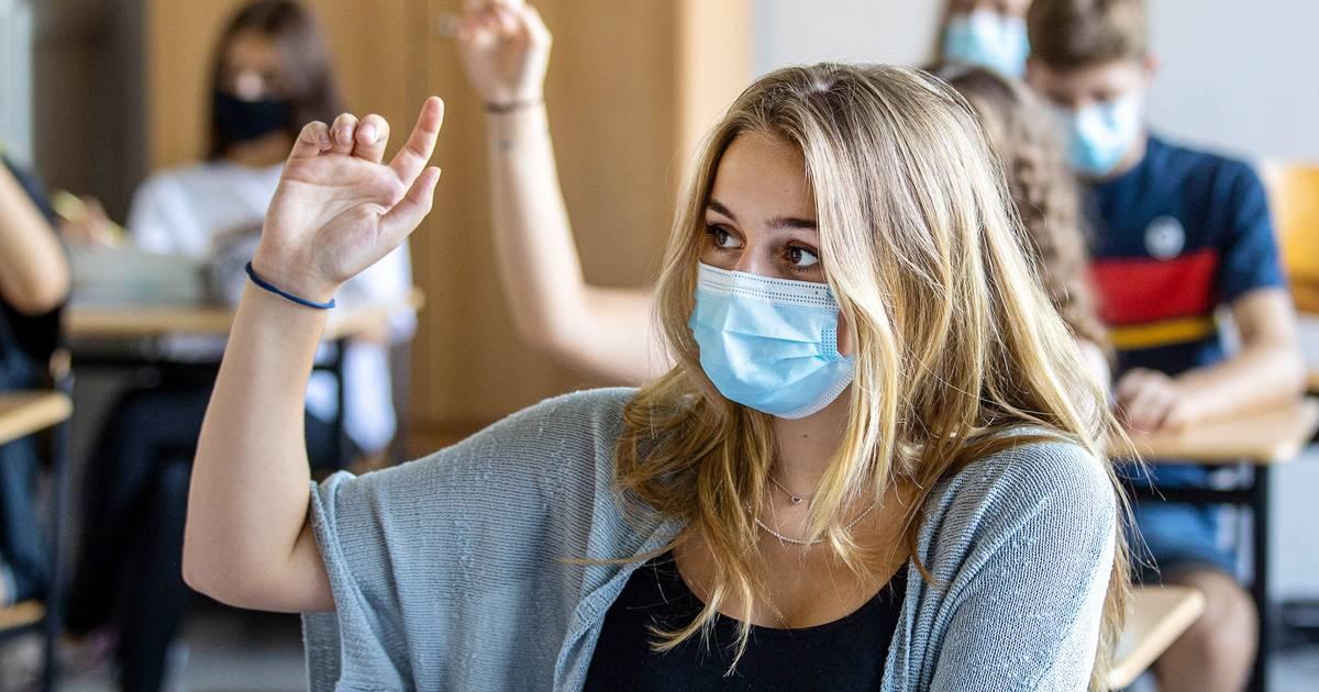 """Eltern klagen gegen Corona-Vorschrift: """"Dauerndes Maskentragen für Schüler ist eine Zumutung"""""""