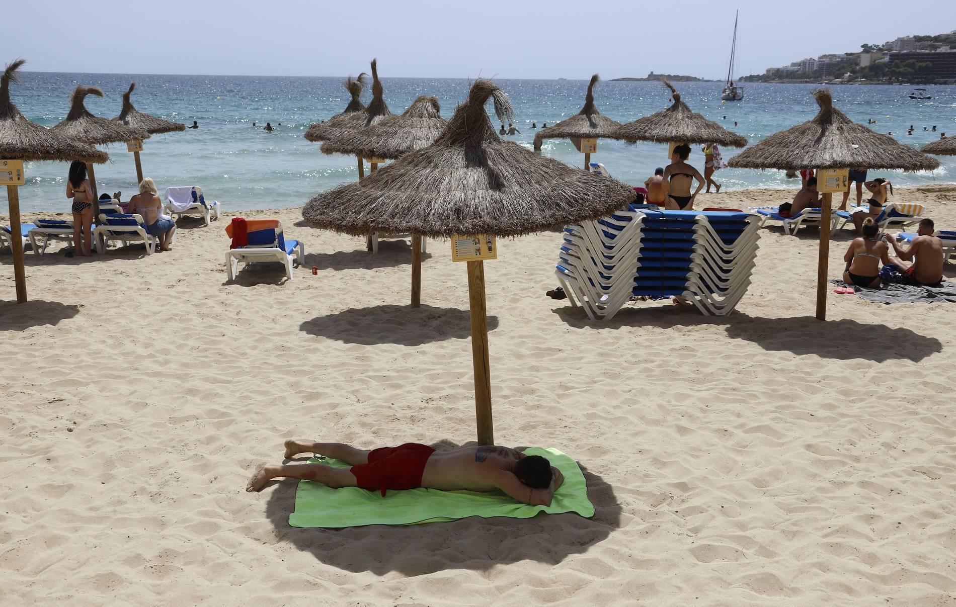Spanien-Urlauber kehren gelassen aus dem Risikogebiet zurück | BR24