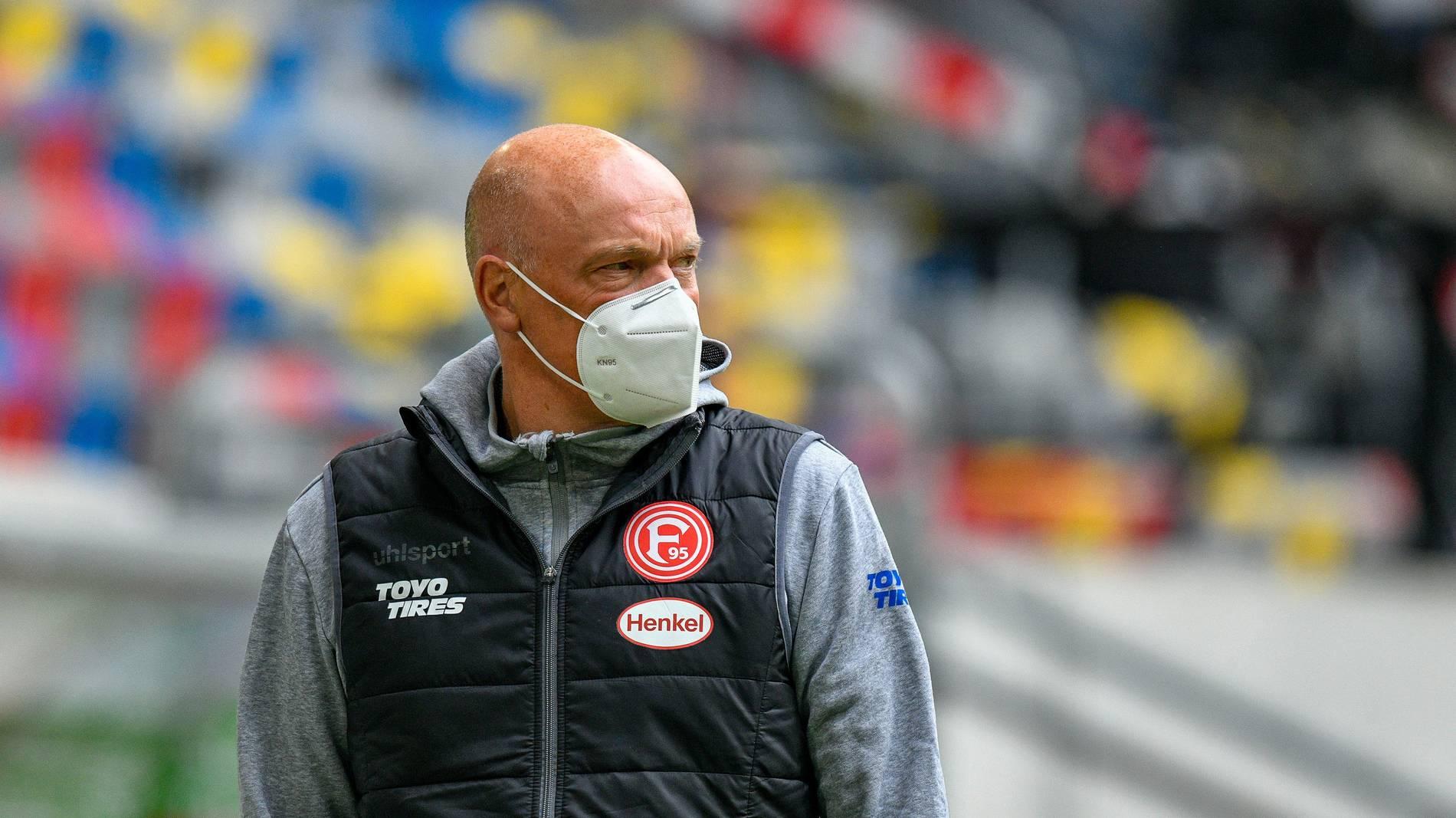 Vorbereitung mit erheblichen Problem Uwe Rösler muss mit seinem Team pausieren