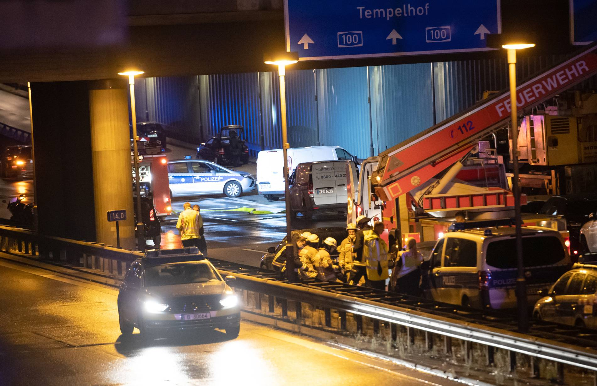 Unfälle auf Berliner Stadtautobahn wahrscheinlich politisch motiviert - Ermittlerkreise