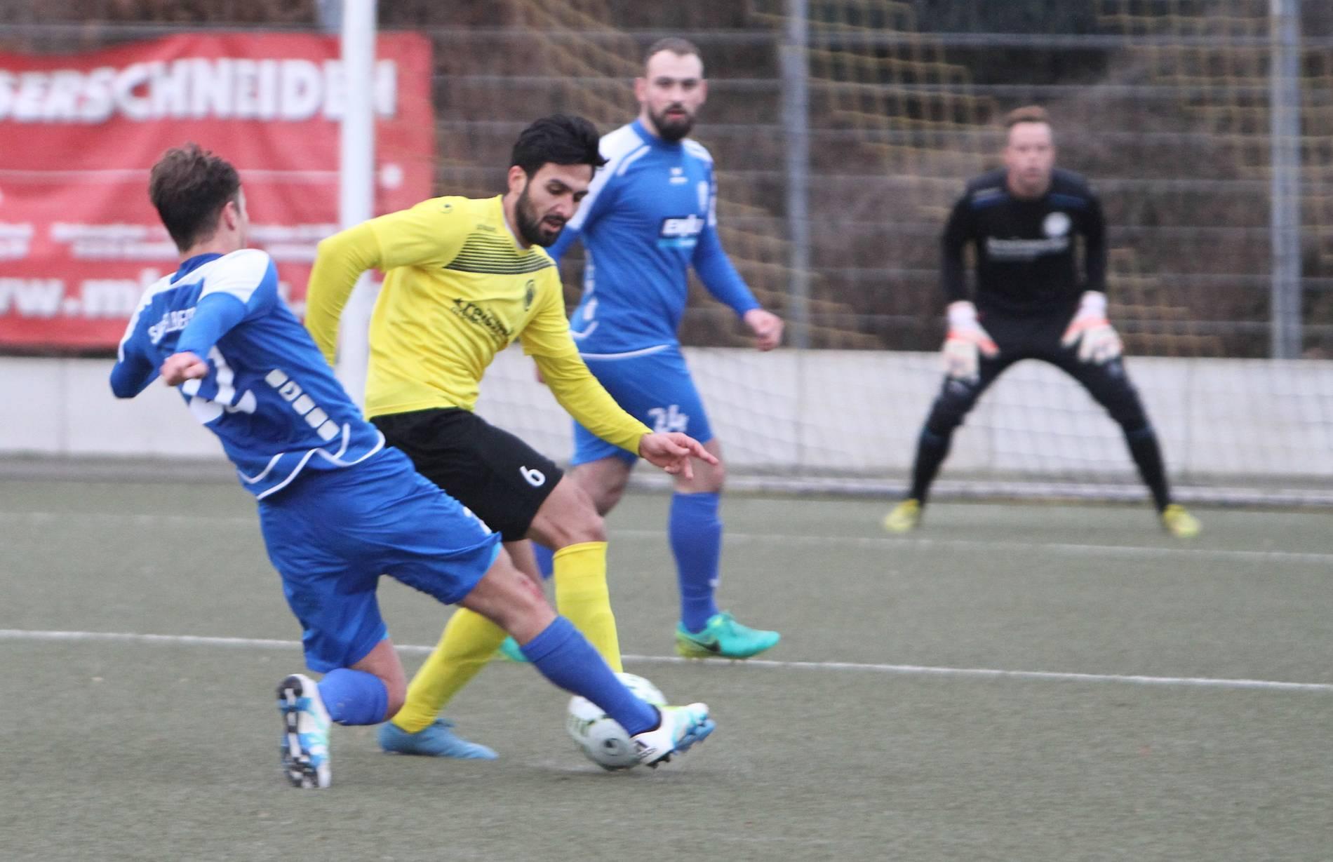 Dfb Pokal Kani Taher Spielt Mit Dem 1 Fc Duren Gegen Bayern Munchen